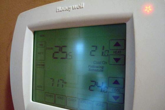 Warning light on thermostat