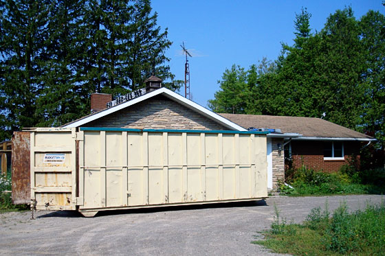 40 yard garbage bin