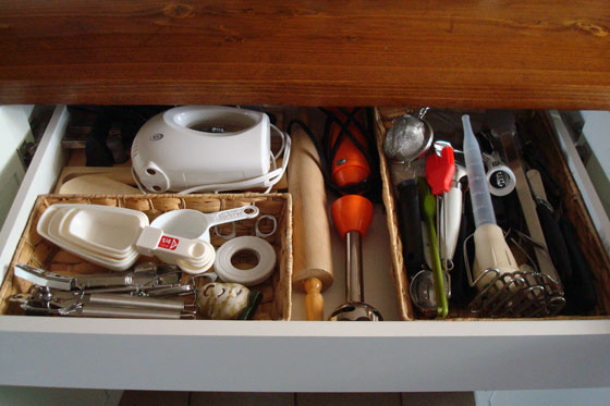 Utensil drawer in kitchen cabinets