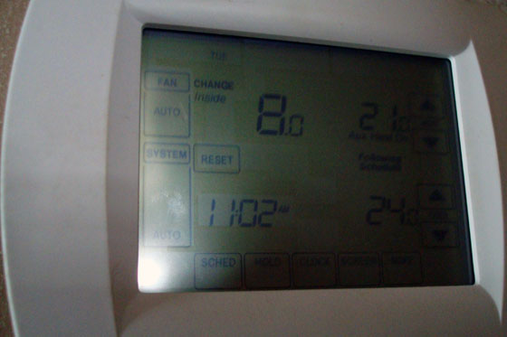 Thermostat showing 8 degree temperature inside the house