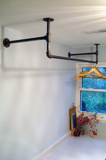 Hanging rack made out of pipe fittings