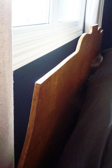 Applying preglued veneer edging to a curve