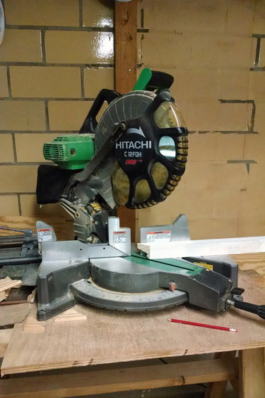 Hitachi compound mitre saw