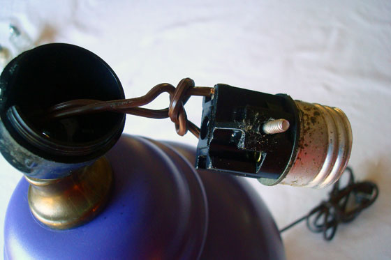 Taking apart a lamp socket