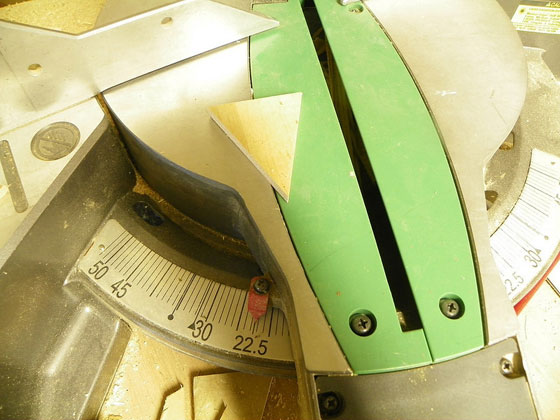 Cutting penants on a mitre saw