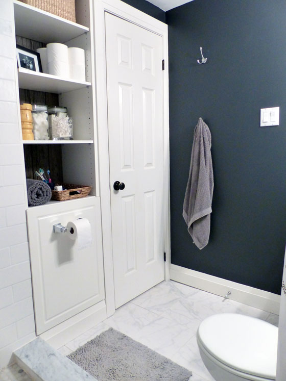 Built in shelving in a small bathroom