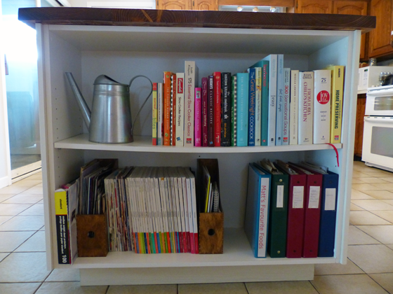 Open shelving in the kitchen for cookbooks