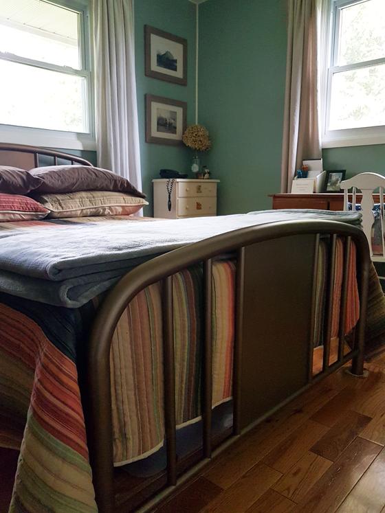 Antique brass metal bed frame
