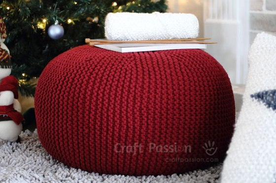 Knitted pouf from Craft Passion