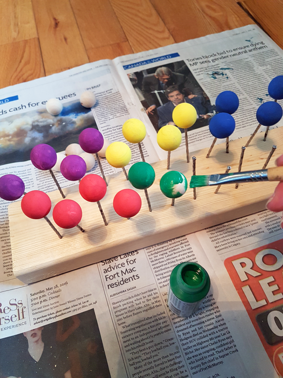 DIY drying rack for painting wooden balls