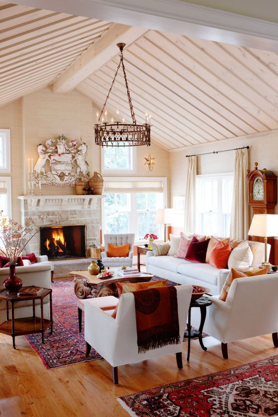 Planked ceiling in a farmhouse living room by Sarah Richardson