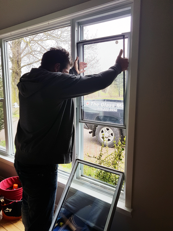 Repairing a cracked vinyl window